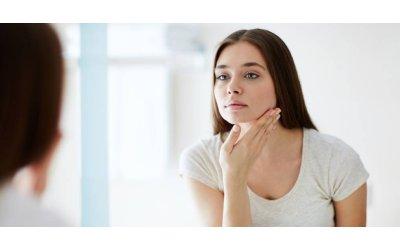 Maskne: Come prevenire e trattare l'acne da mascherina